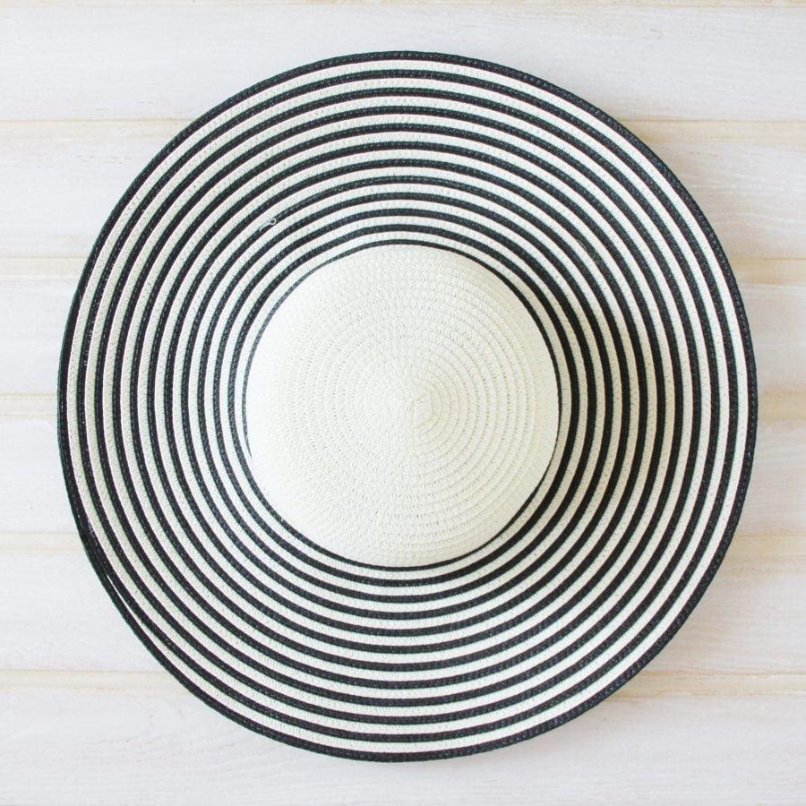 Classic large brimmed stripe hat