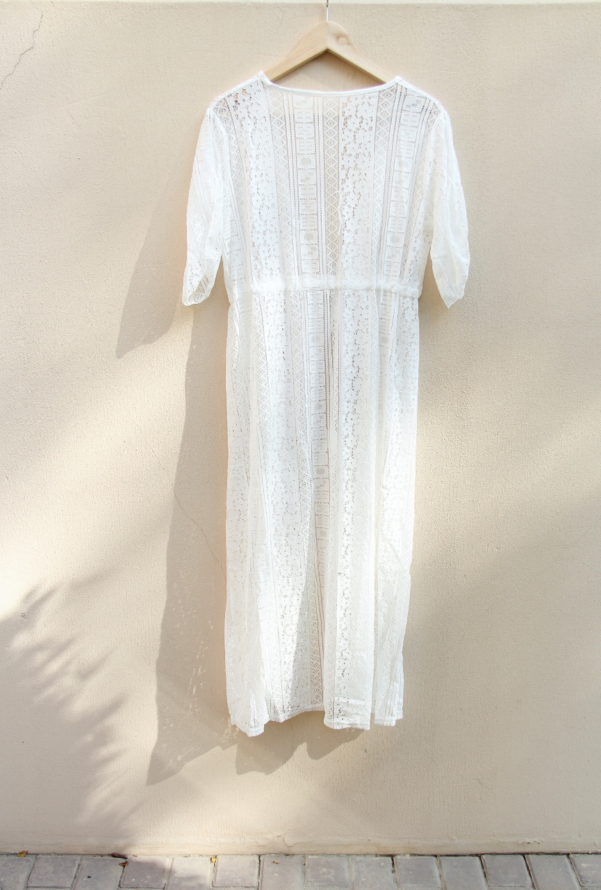 Lace kaftan with split sleeves