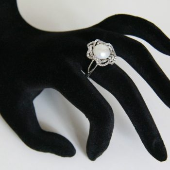 Floral button pearl shape ring
