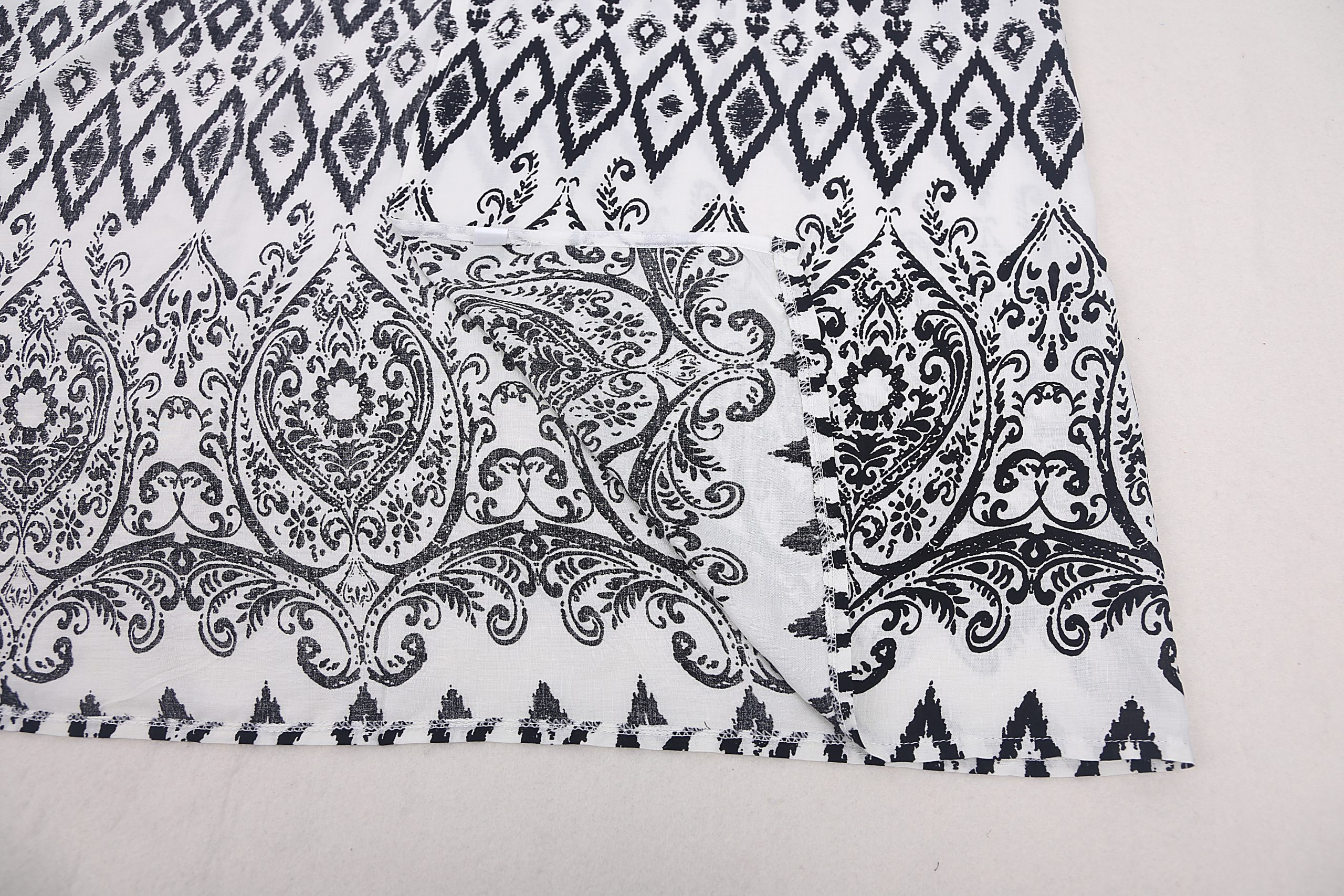 Geometric paisley print kaftan