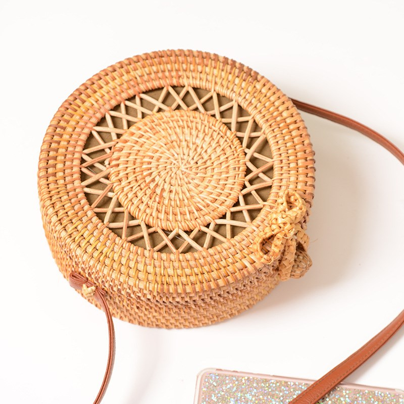 Full-moon rattan bag with bow
