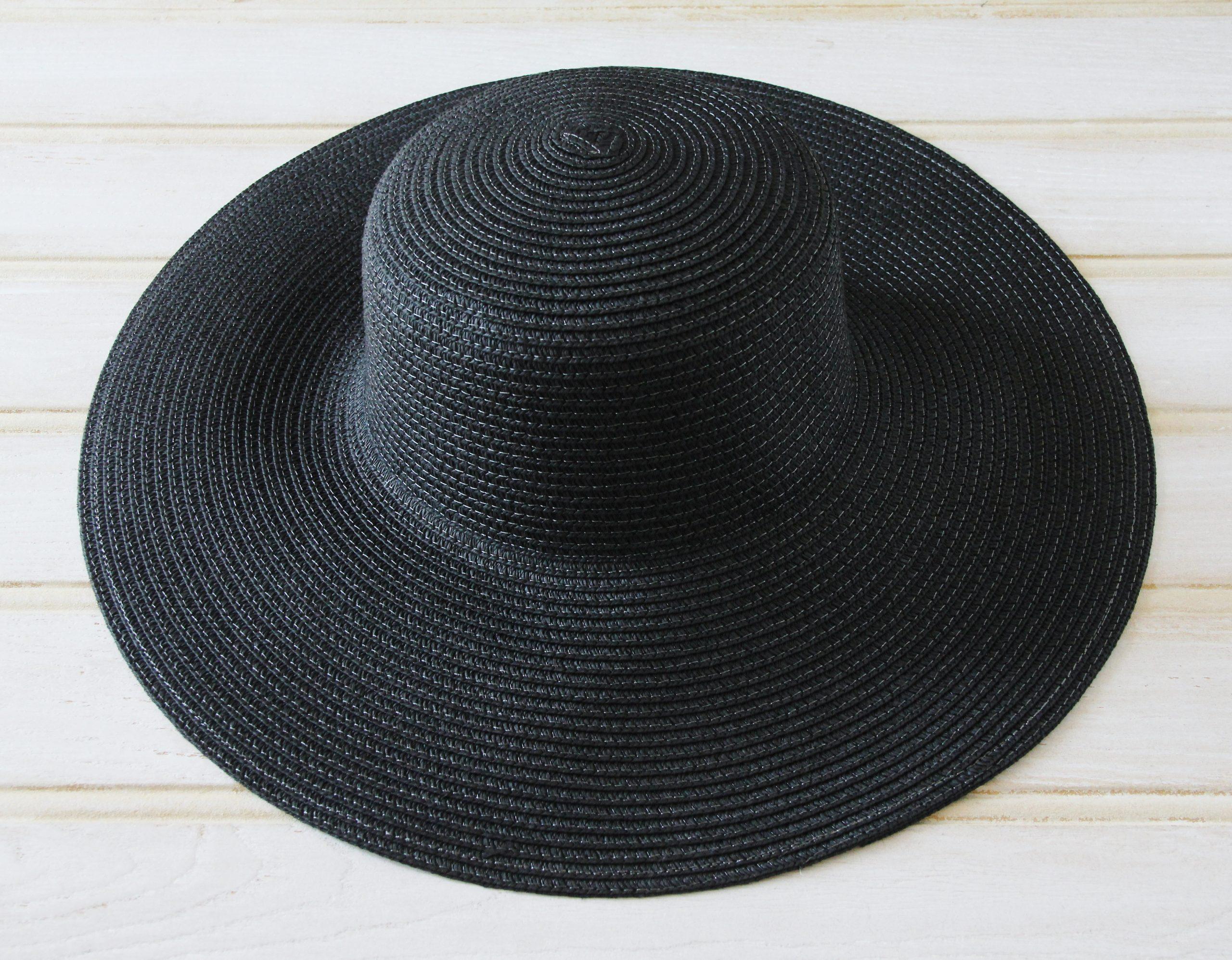 Natural straw large brimmed hat