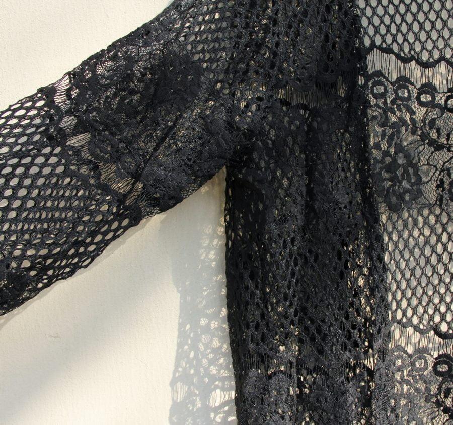 Knee-length lace kaftan
