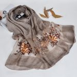 Silk scarf with floral embroidery - Grey