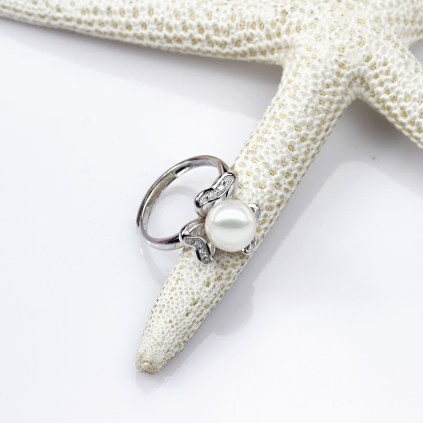 Floral Button Pearl Ring