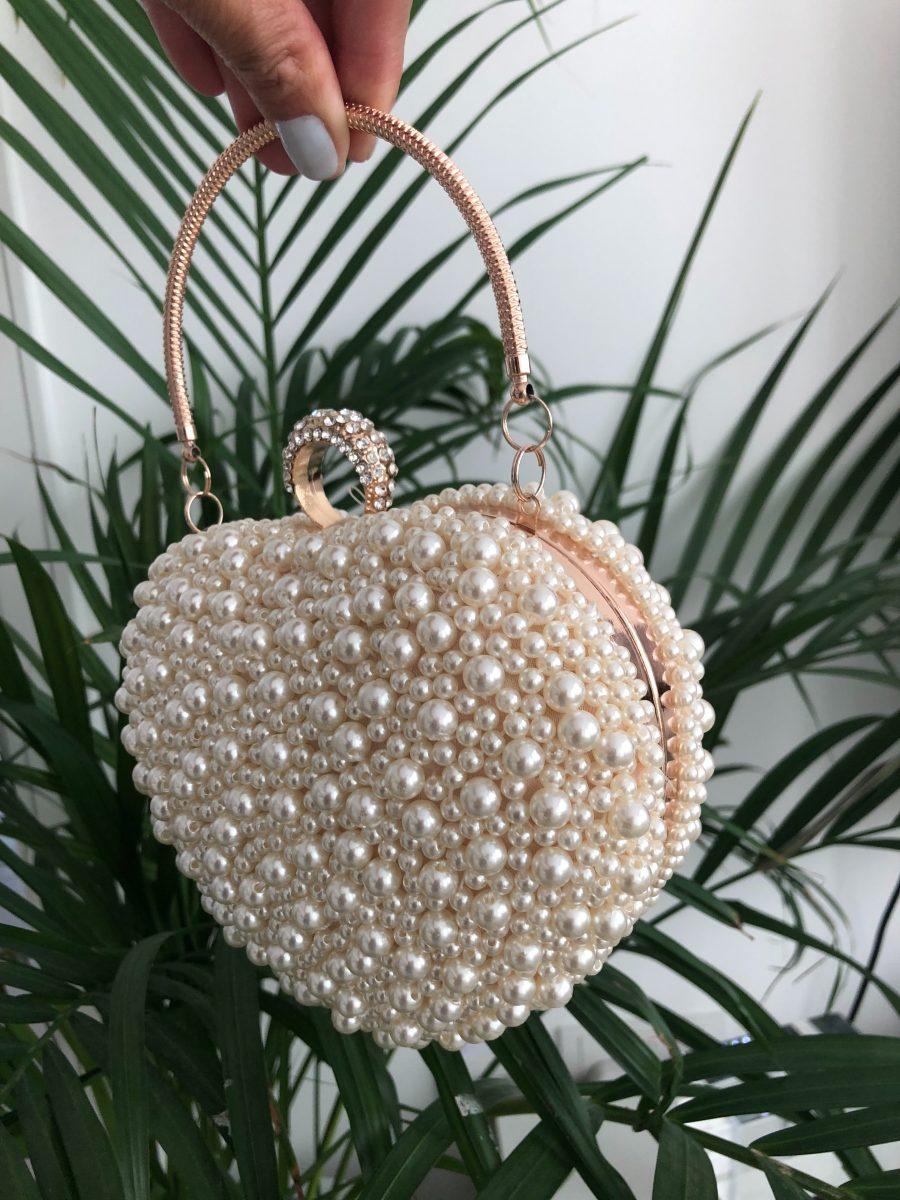 Heart-shape pearls clutch bag